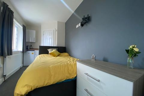 1 bedroom in a house share to rent - Chelmsford Drive, Doncaster