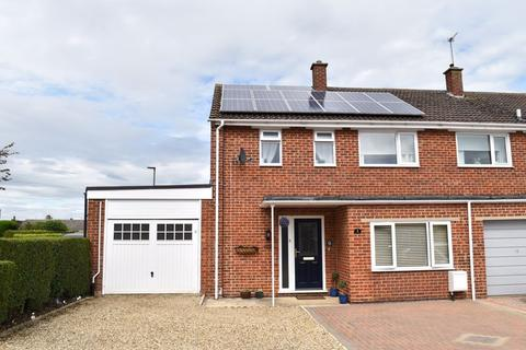 3 bedroom semi-detached house for sale - Churchill Road, Bicester