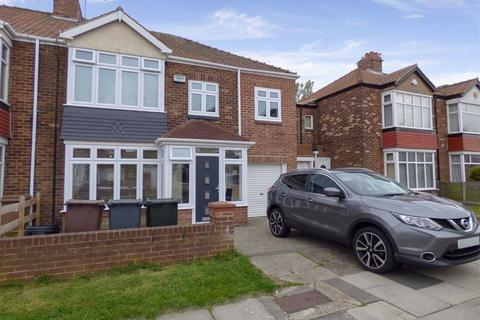 4 bedroom semi-detached house to rent - Thorntree Drive, Monkseaton