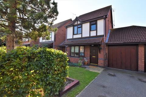 3 bedroom detached house for sale - Falcon Fields, Maldon, CM9