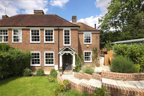 3 bedroom semi-detached house for sale - Maxwell Road, Beaconsfield, Buckinghamshire, HP9