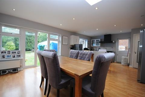 3 bedroom detached bungalow for sale - Well Lane, Stock, Ingatestone