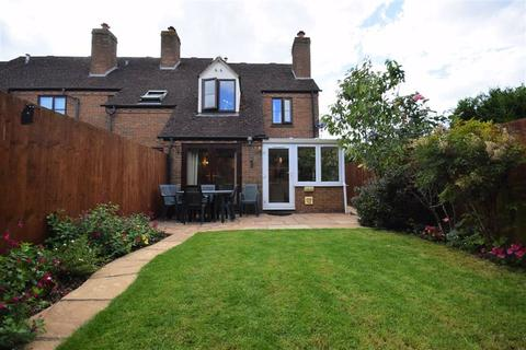 3 bedroom end of terrace house for sale - Haycroft Close, Cheltenham, Gloucestershire