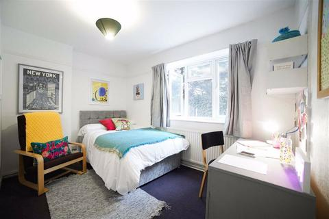 5 bedroom house share to rent - Clandon Gardens, Finchley, London, N3