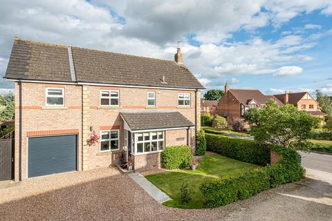 4 bedroom detached house for sale - Kerver Lane, Dunnington, York, YO19