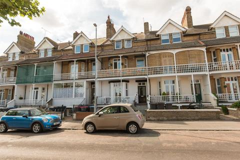 1 bedroom flat for sale - Cuthbert Road, Westgate-On-Sea