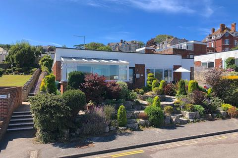 4 bedroom detached bungalow for sale - PEVERIL HEIGHTS, SWANAGE