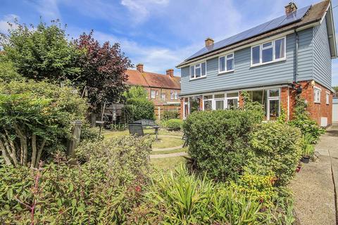 4 bedroom detached house for sale - Mantling Road, Littlehampton, West Sussex, BN17