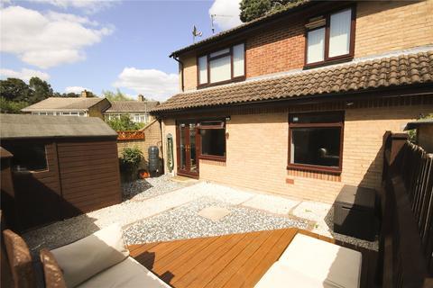 2 bedroom maisonette for sale - Howorth Court, Blewburton Walk, Bracknell, Berkshire, RG12