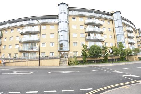 1 bedroom flat for sale - Berberis House, Highfield Road, Feltham, Middlesex, TW13