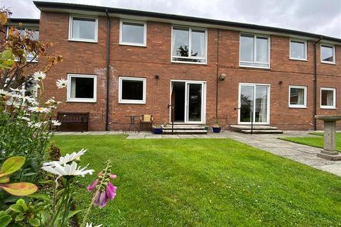 1 bedroom ground floor flat for sale - Red Dale Flats, Dale Avenue, Heswall, Wirral, CH60 7TA