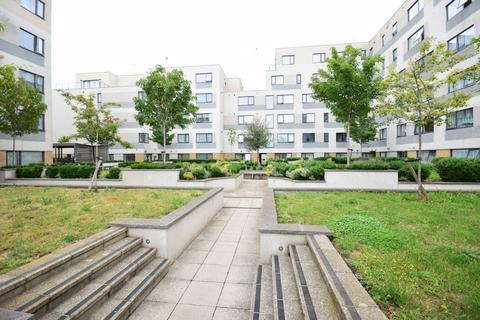 1 bedroom flat for sale - Town Lane, Stanwell, TW19