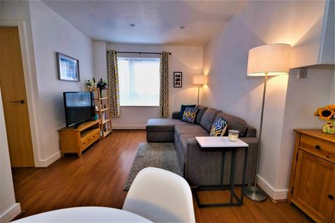 1 bedroom flat - Catalpa Court, Hither Green