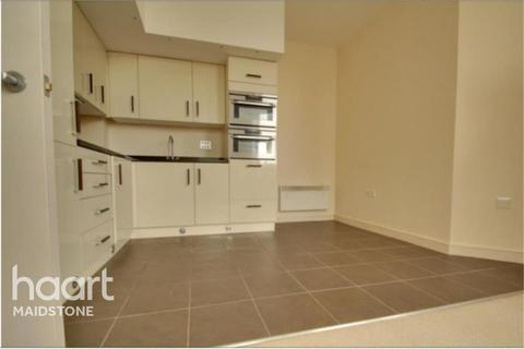 1 bedroom flat to rent - Culverden Down, TN4
