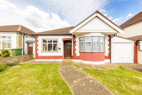 3 bedroom detached bungalow for sale - Windsor Road, Hornchurch, RM11