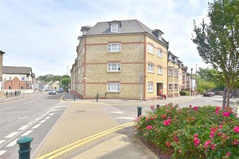 2 bedroom flat for sale - Tantivy Court, Queens Road, WATFORD, Hertfordshire