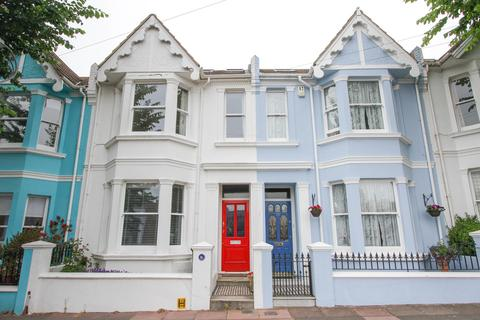 4 bedroom terraced house to rent - Freshfield Place, Brighton