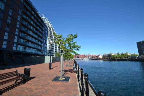 1 bedroom apartment to rent - City Lofts, Salford Quays