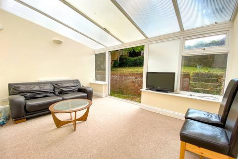 4 bedroom semi-detached house to rent - Staplefield Drive, Brighton, East Sussex, BN2