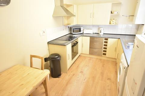 2 bedroom flat to rent - Hotspur Street, Heaton