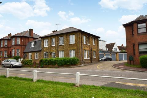 5 bedroom detached house for sale - The Alders, Windsor Lane, Burnham, SL1