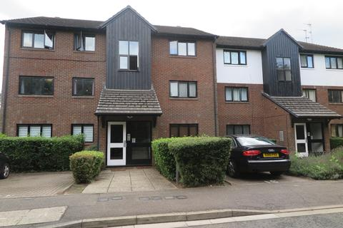 3 bedroom flat for sale - West Quay Drive, UB4