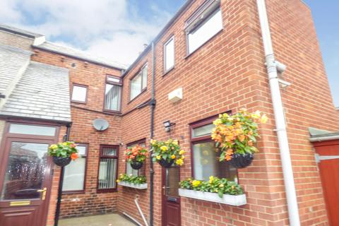 2 bedroom flat to rent - Victoria Terrace, Bedlington, Northumberland, NE22 5QD