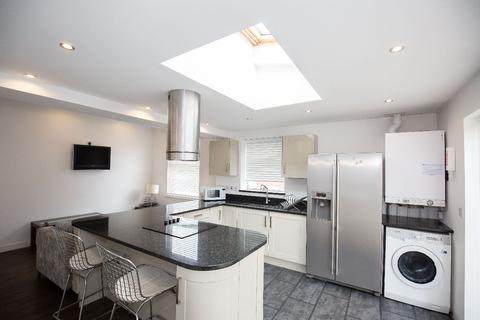 6 bedroom semi-detached house to rent - Kensington Road, Coventry