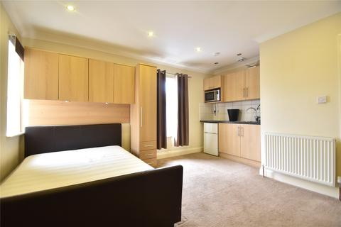 Studio to rent - Altwood Road, Maidenhead, Berkshire, SL6