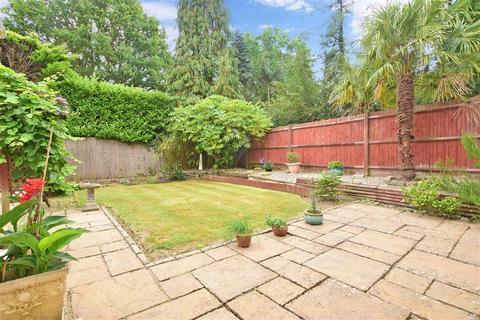 4 bedroom detached house for sale - Poynes Road, Horley, Surrey
