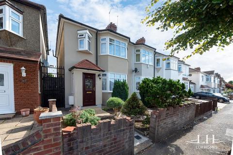 3 bedroom end of terrace house for sale - Cranham Road, Hornchurch