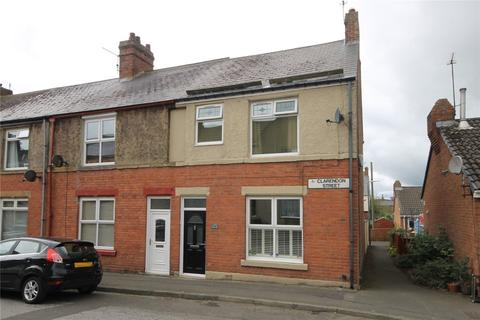 3 bedroom end of terrace house for sale - Clarendon Street, Consett, DH8