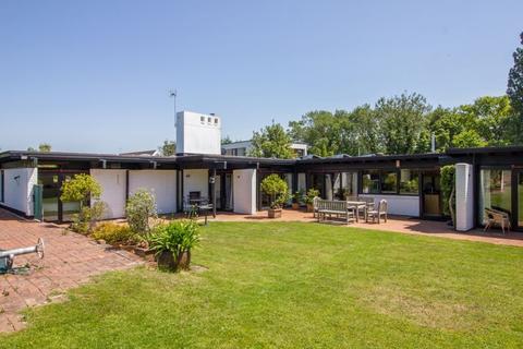 5 bedroom detached bungalow for sale - Evenlode Avenue, Penarth