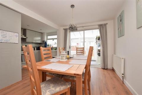 3 bedroom terraced house for sale - Godstone Road, Whyteleafe, Surrey