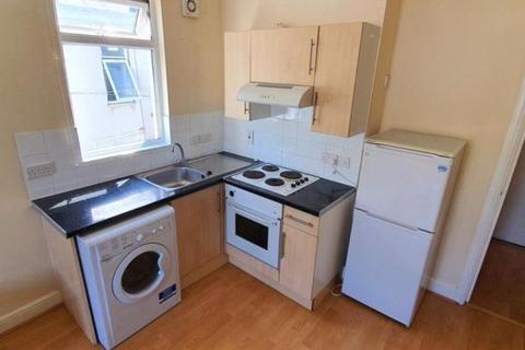 Property to rent - Southbury Road, Enfield Town, Enfield EN1