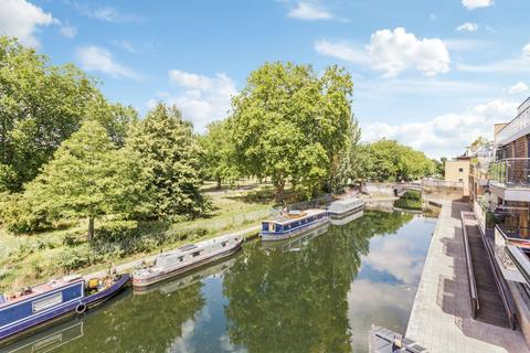 2 bedroom flat for sale - Old Ford Road, London, E3