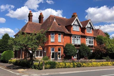 7 bedroom semi-detached house for sale - Queens Road, Lyndhurst, SO43
