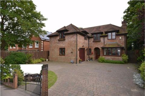 4 bedroom detached house to rent - Beech Hill, Hadley Wood, Hertfordshire