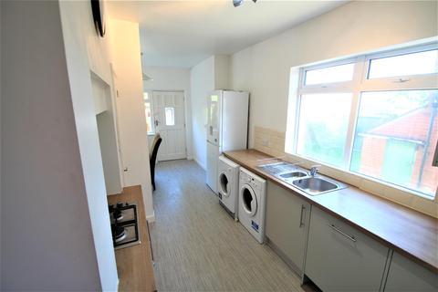 1 bedroom house share to rent - Room 2, St Annes Road, Headingley, Leeds, LS6 3NY
