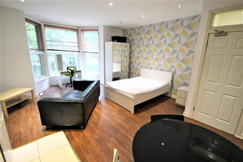 1 bedroom apartment to rent - 3 St Johns Terrace, Hyde Park