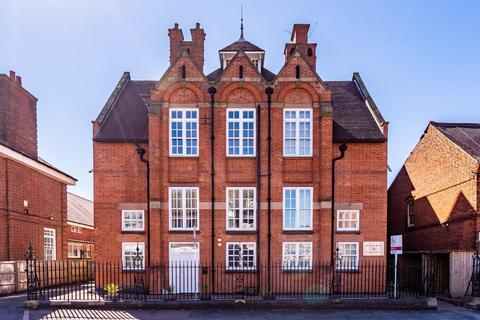 2 bedroom apartment to rent - Clarendon Park Road, Leicester