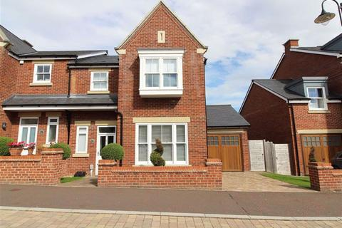 3 bedroom semi-detached house for sale - Foley Avenue, Westwood Park, Beverley, East Yorkshire