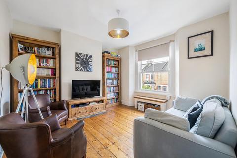 2 bedroom flat - Wingford Road, SW2