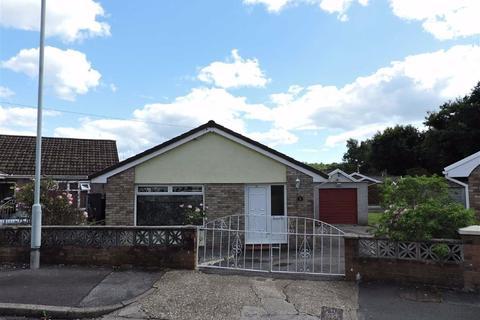 3 bedroom detached bungalow - Kingrosia Park, Clydach