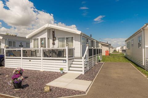 2 bedroom park home for sale - Faversham Road, Seasalter, Whitstable