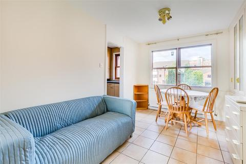 2 bedroom flat to rent - Holley Road, London, W3