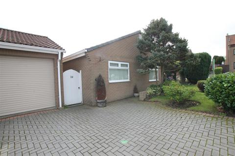 2 bedroom detached bungalow for sale - Lilac Way, Toft Hill,