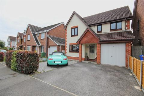4 bedroom detached house for sale - Warwick Drive, Beverley
