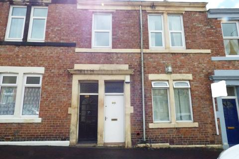 3 bedroom flat to rent - Chandos Street, Gateshead, Tyne and Wear, NE8 4AB