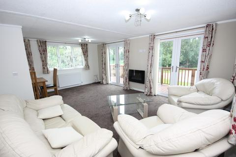 2 bedroom lodge for sale - Highfarm holiday park, Routh